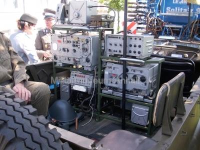 <p>Festumzug 300-Jahr-Feier Dessau-Roßlau</p><p>ein neu aufgebauter Funk-UAZ 469</p>