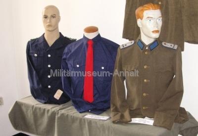 <p>Uniformen der Haupverwaltung Ausbildung und KVP der ehemaligen sowjetischen Besatzungszone bzw. ab 07.10.1949 der DDR</p>