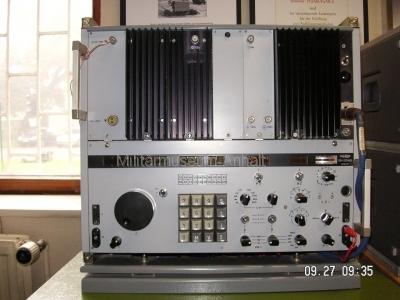 <p>Sonderausstellung Herbst 2008</p><p>Aufklärungsempfänger REV-251 (10 KHz ... 30 MHz)</p>