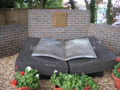 <p>Gedenkstein für die polnischen Kryptologen</p>