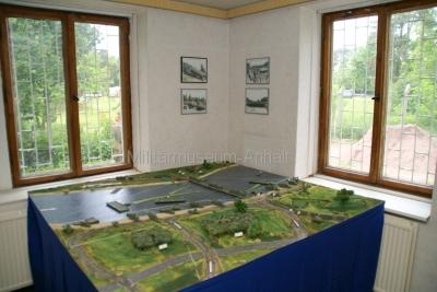 <p>Sonderausstellung Frühjahr 2009 - Die Bundeswehr in Dessau und Roßlau</p><p>Diorama Pontonbrückenbau</p>