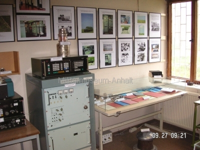 <p>Sonderausstellung Herbst 2008</p><p>Kurzwellen-Sendetechnik, Schautafeln Funkaufklärung, Dienstvorschriften und Arbeitsmaterialien</p>