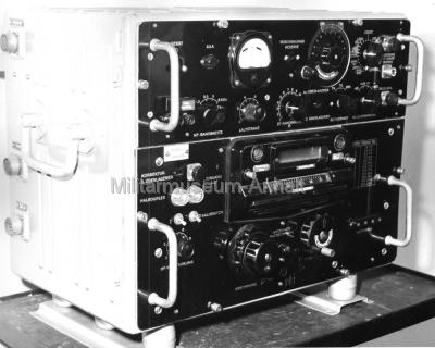 <p>Der sowjetische Kurzwellenempfänger R-250 M1 mit Fotoskala.</p>