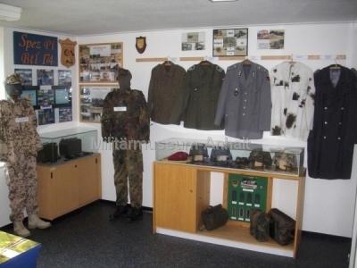 <p>Uniformen der Bundeswehr</p>