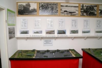 <p>Sonderausstellung Frühjahr 2009 - Die Bundeswehr in Dessau und Roßlau</p><p>NVA-Diorama - Übersetztechnik</p>