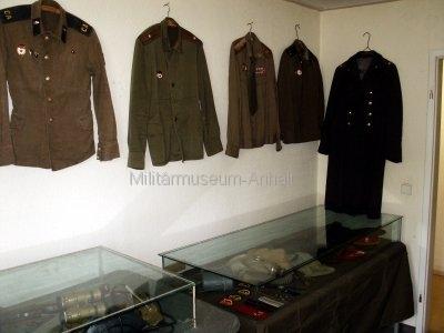 <p>Sonderausstellung Frühjahr 2007</p><p>Uniformen der GSSD und persönliche Ausrüstungsgegenstände der Sowjetsoldaten</p>