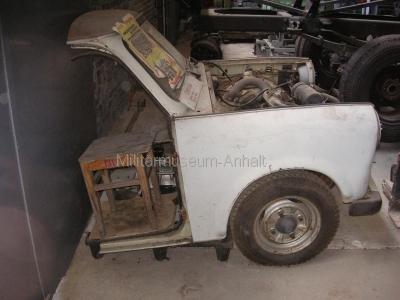 <p>Garnisontreffen Jüterbog 2009</p><p>in der Fahrzeugausstellung fand sich dieser schlecht gepflegte P-601!</p>