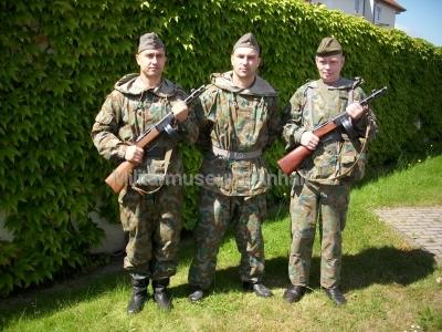 <p>Festumzug 300-Jahr-Feier Dessau-Roßlau</p><p>Darsteller in KVP-Ausrüstung</p>