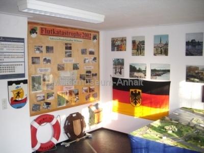 <p>Die Bundeswehrpioniere unterstützten die Stadt Dessau und Umgebung aktiv bei der Flutkatastrophe 2002</p>