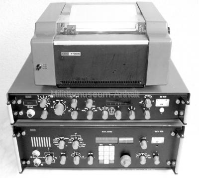 <p>Kurzwellenempfänger EKD-315 mit Empfangszusatz EZ-111 und Empfangsfernschreiber F-1204.</p>