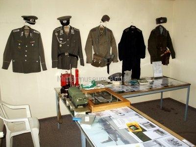 <p>1. Sonderausstellung 2006</p><p>NVA-Uniformen, Dokumente und Ausrüstungsgegenstände</p>