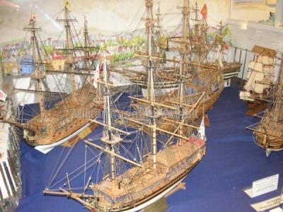 <p>Schiffsmodellausstellung - historische britische Segelschiffe</p>