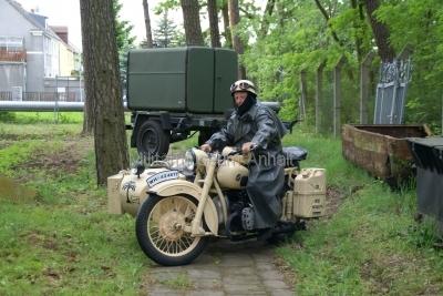 <p>Sonderausstellung Frühjahr 2009 - Die Bundeswehr in Dessau und Roßlau</p><p>Fahrzeugausstellung - Wehrmachts-BMW</p>