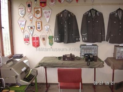 <p>Sonderausstellung Herbst 2008</p><p>Uniformen NVA, Wimpel und Fernmeldetechnik</p>