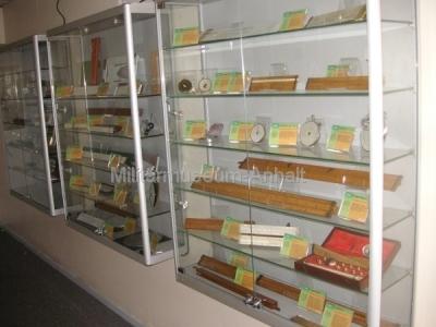 <p>Das Nationale Computer Museum - diverse Rechenschieber</p>