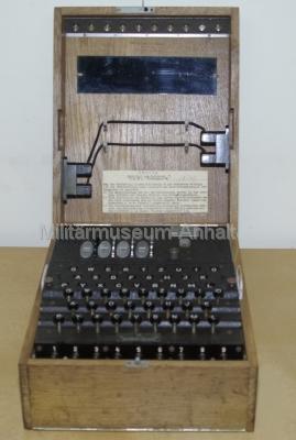 <p>Enigma - Ausführung für die Marine (U-Boote - 4 Walzen)</p>