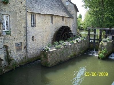 <p>Die Wassermühle in Bayeux.</p>