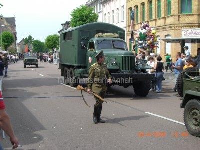 <p>Teilnahme am Umzug Flämingfest in Coswig 2009 - Darstellung der Militärgeschichte in Anhalt</p><p>Das wohl bekannteste Fahrzeug der Sowjetarmee in der DDR - SIL-157</p>