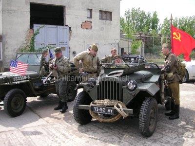 <p>Teilnahme am Umzug Flämingfest in Coswig 2009 - Darstellung der Militärgeschichte in Anhalt</p><p>Umzugsvorbereitungen</p>