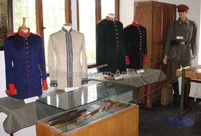 <p>Anhaltische und weitere deutsche Uniformen 1867 bis 1918</p>