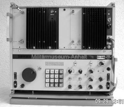 <p>Kurzwellenaufklärungsempfänger REV-251 M/H.</p>