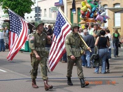 <p>Teilnahme am Umzug Flämingfest in Coswig 2009 - Darstellung der Militärgeschichte in Anhalt</p><p>Darstellung des Einzuges der US-Armee</p>