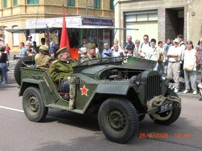 <p>Teilnahme am Umzug Flämingfest in Coswig 2009 - Darstellung der Militärgeschichte in Anhalt</p><p>Einzug der Roten Armee</p>